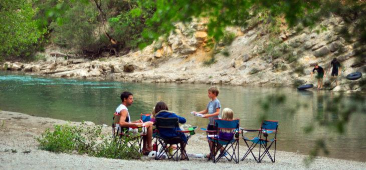 Camping en bord de rivière dans le Var, en région PACA